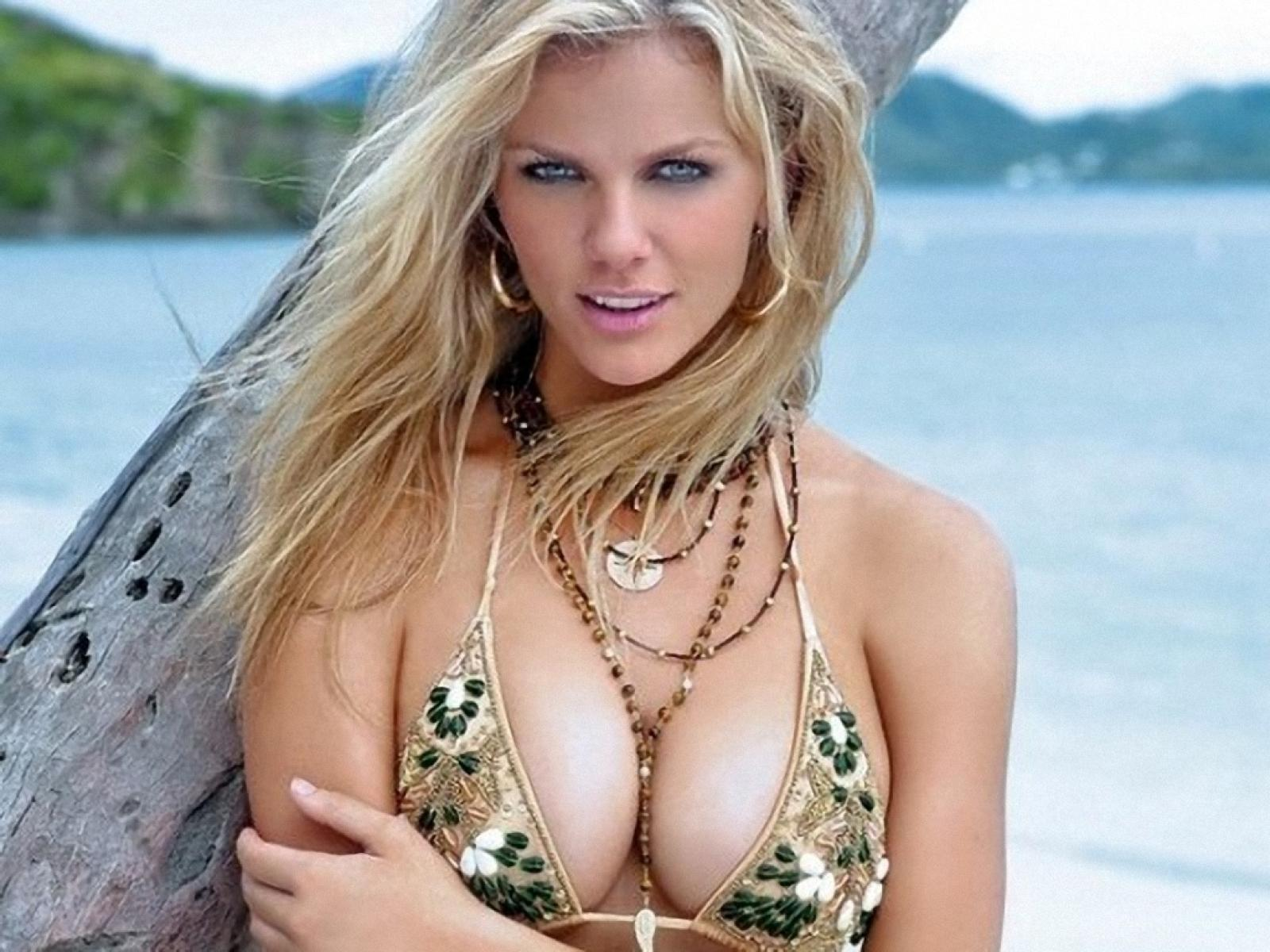 Remarkable, this Brooklyn decker hot