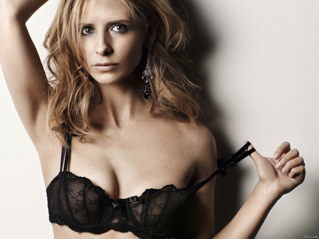 Sarah michelle gellar naked pictures