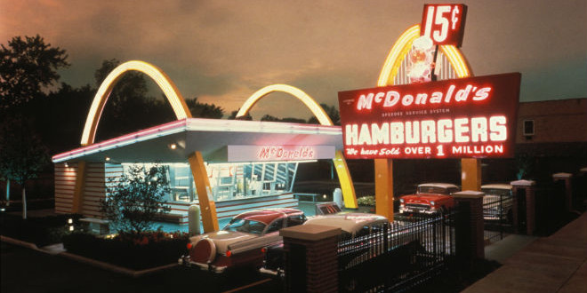The Daily Retro Pic: McDonald's in the 1950s