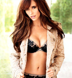 Jennifer-Love-Hewitt---Maxim-2012
