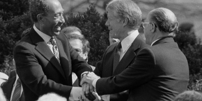 The Daily Retro Pic: A Triple Handshake at the 1979 Egyptian–Israeli Peace Treaty Signing