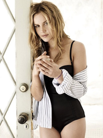 Abbie-Cornish-Swimsuit