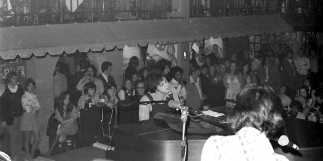 The Daily Retro Pic: Billy Joel at Lafayette's Music Room in Memphis,1974
