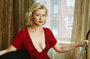 Gretchen_Mol_21_1600x1200_Wallpaper