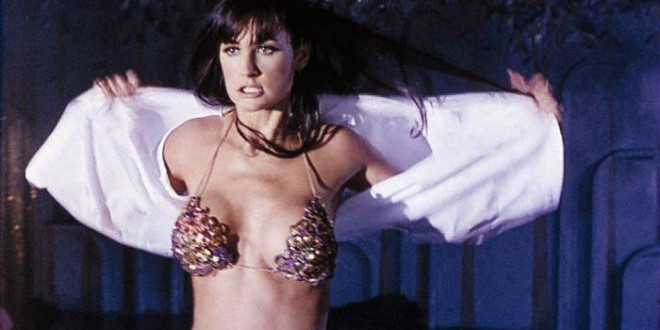 10 Hot Movie Actresses from the 1990s and Their Sensual Roles