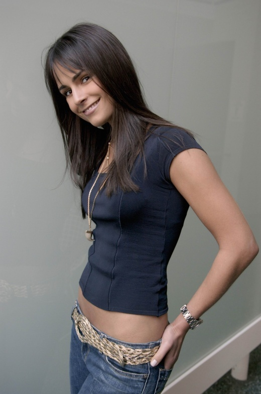 jordana brewster hot body