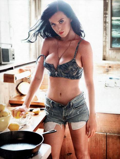 katy-perry-cooking