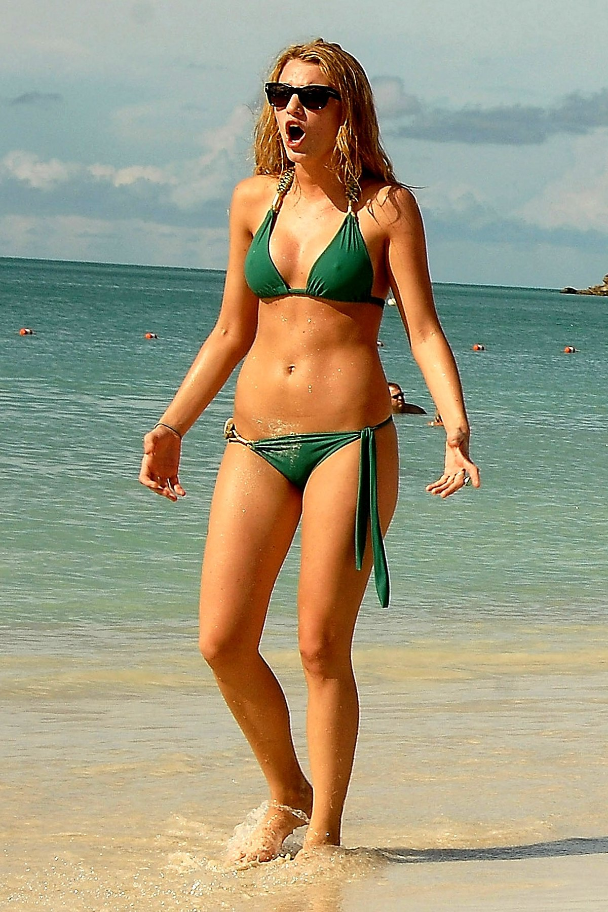 Blake-Lively-Hot-bikini