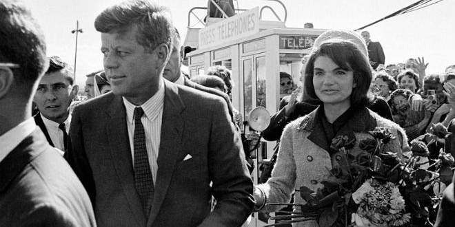 The Daily Retro Pic: JFK and Jackie Arrive at Dallas Airport 50 Years Ago Today