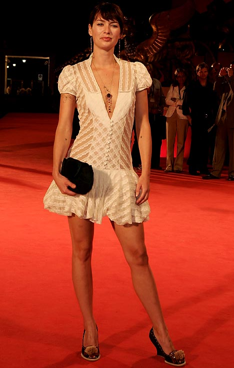 Lena Headey Hot Body Legs