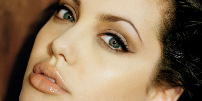 The Daily Looker: Angelina Jolie