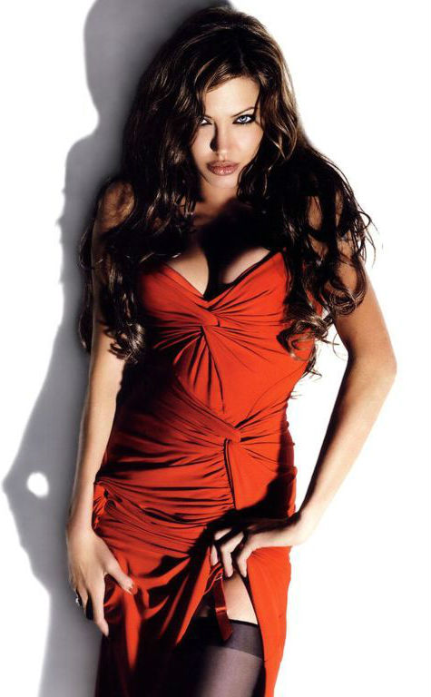 angelina-jolie-red-dress