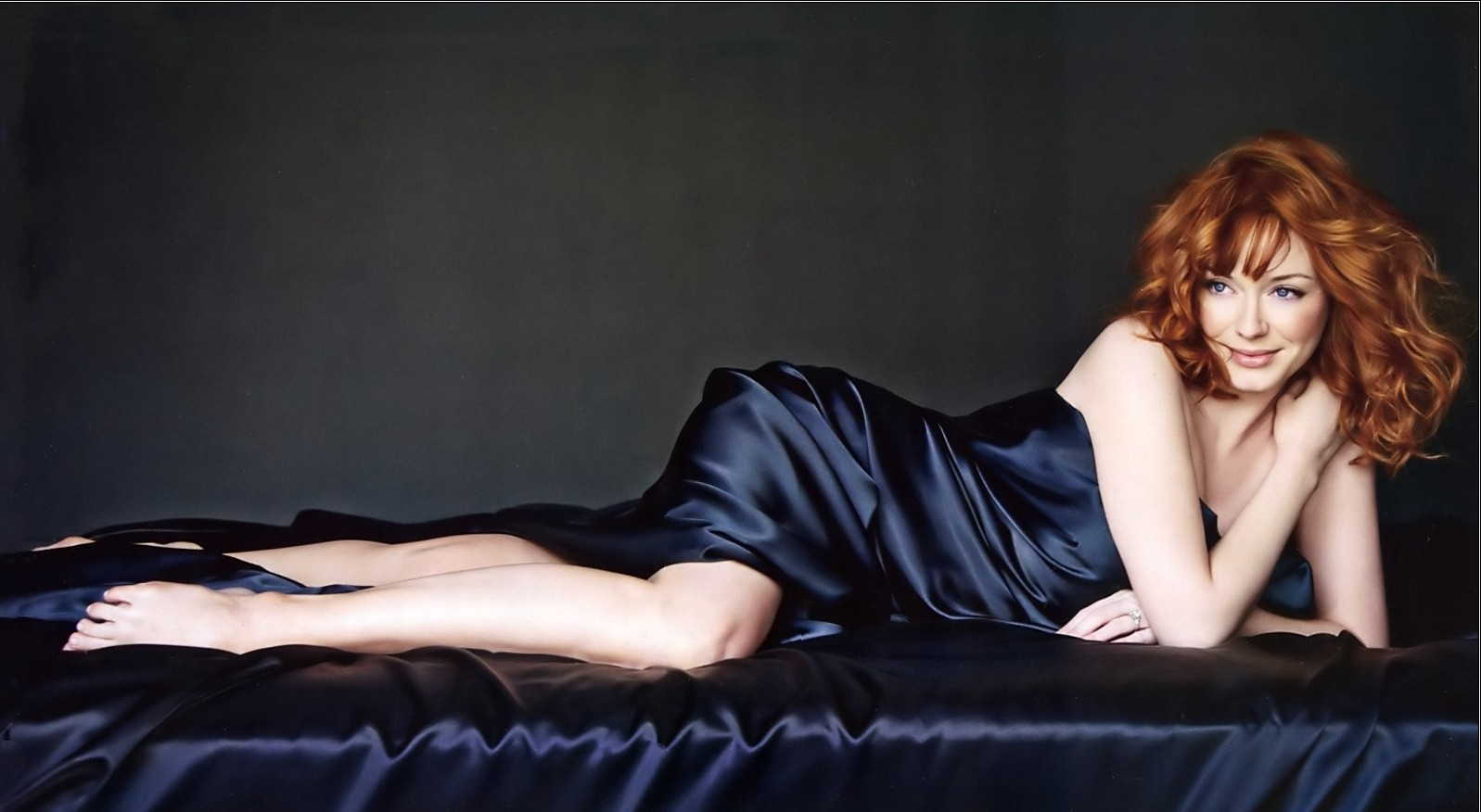 christina-hendricks-hot