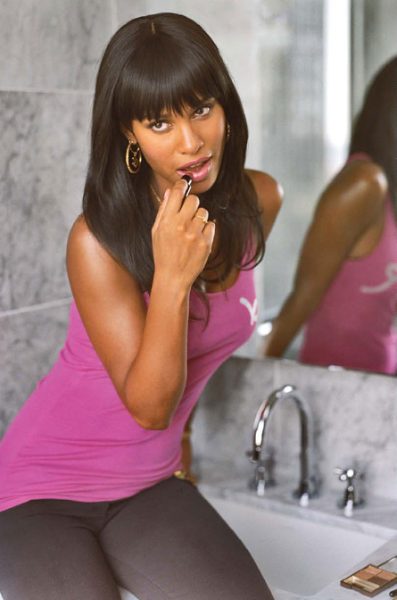 joy-bryant-hot