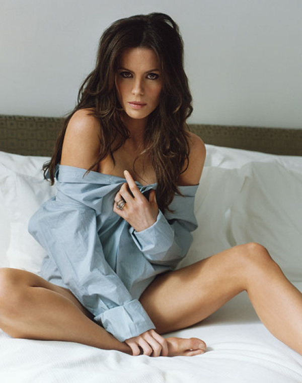 kate-beckinsale-bed