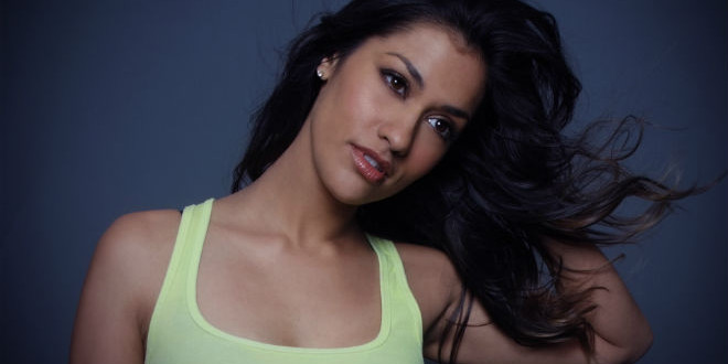 The Daily Looker: Janina Gavankar